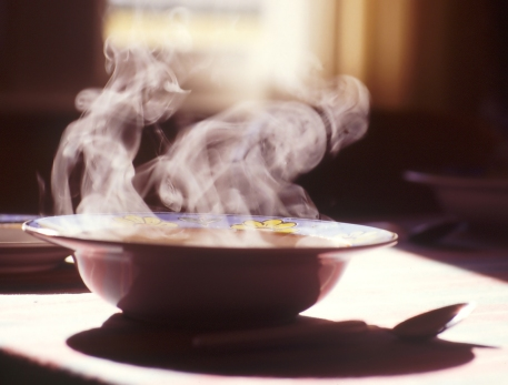 steaming-hot-soup-1490901-1598x1215